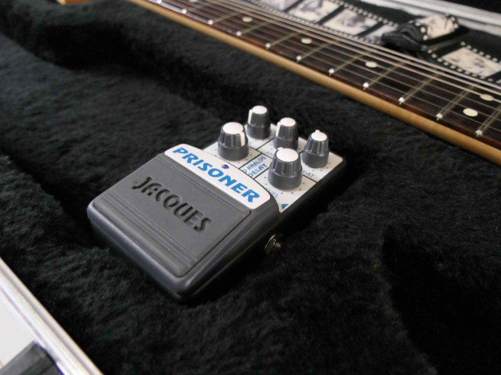 Guitar Case Guide - Internal Compartment